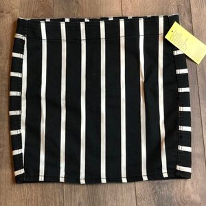 Forever 21 stripe mini skirt sz. 6
